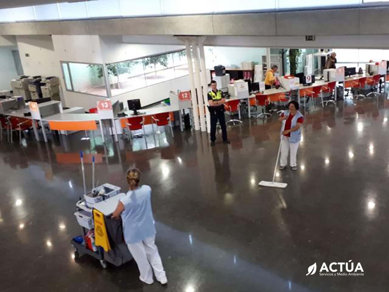 Limpieza de Edificios Públicos y Sanitarios